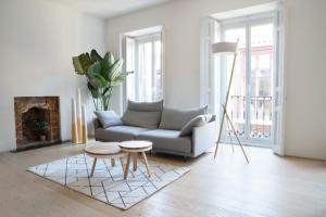 moving to studio apartment, moving apartment, apartment hunting, self storage, storage, moving storage